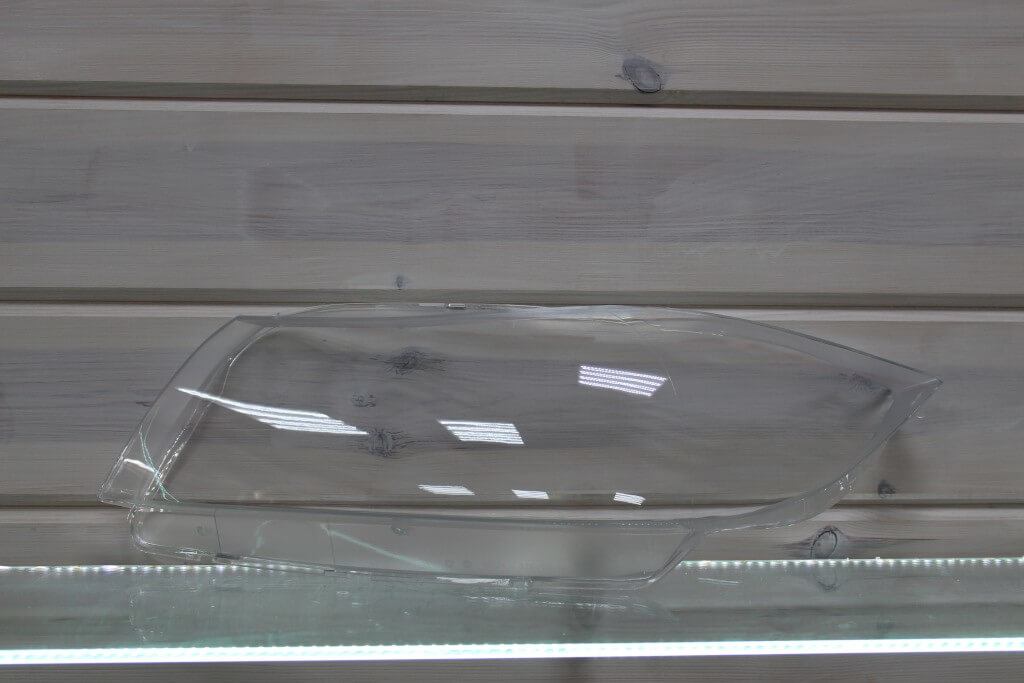 Стекло на левую фару для BMW 3 E90 2004-2011