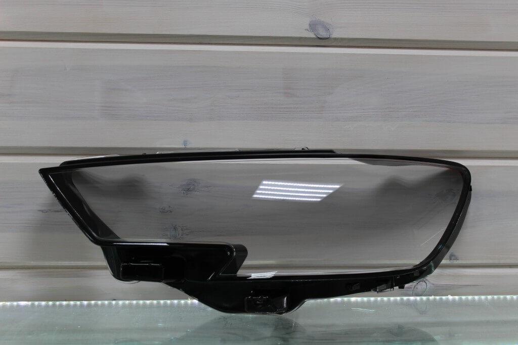 Стекло на левую фару для Audi A3 2016-2020 рестайлинг
