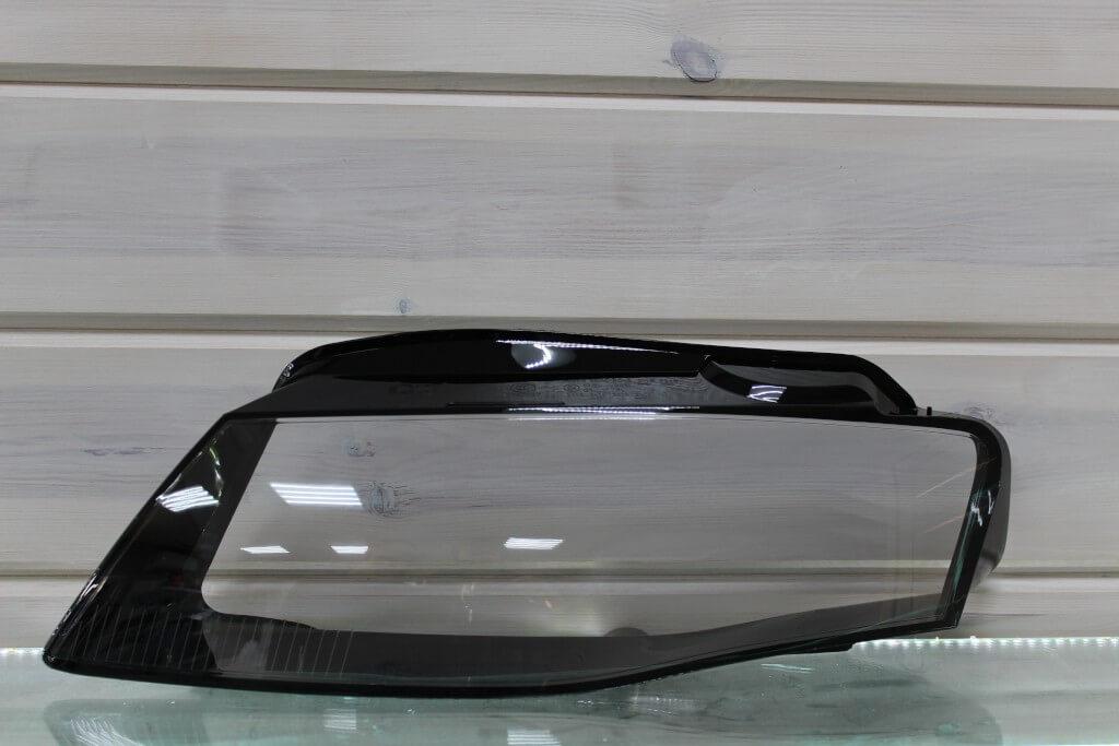 Стекло на левую фару для Audi A4 B8 2007-2011 дорестайлинг