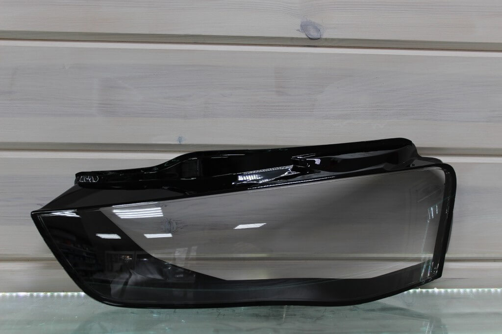 Стекло на левую фару для Audi A4 B8 2011-2015 рестайлинг
