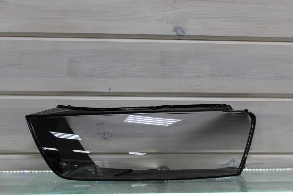 Стекло на левую фару для Audi Q3 2015-2018 рестайлинг