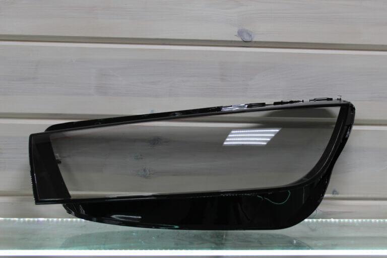 Стекло на левую фару для Audi Q5 2018