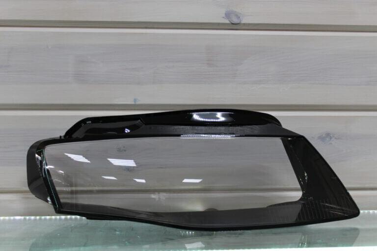 Стекло правой фары для Audi A4 B8 2007-2011 дорестайлинг