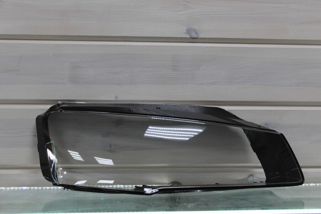 Стекло правой фары для Audi A8 D4 2013-2018 рестайлинг