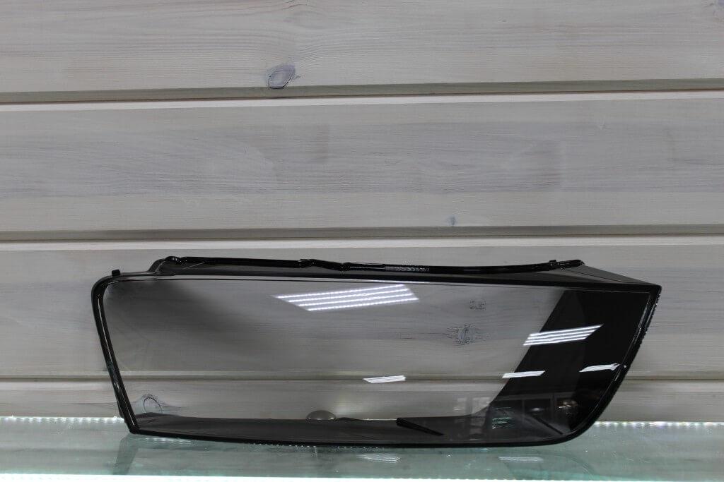 Стекло правой фары для Audi Q3 2015-2018 рестайлинг