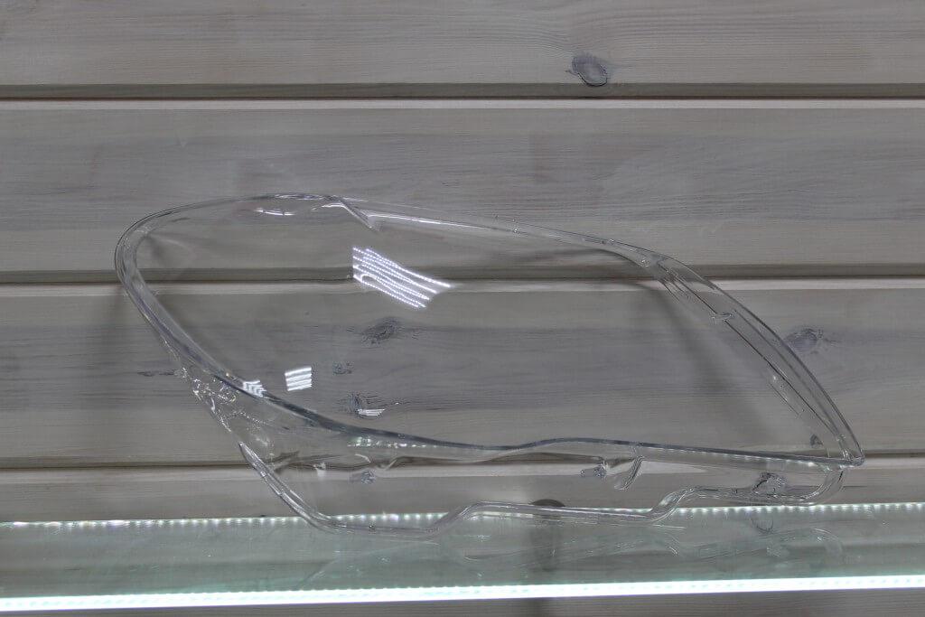 Стекло правой фары для BMW 7 E65 E66 2005-2008