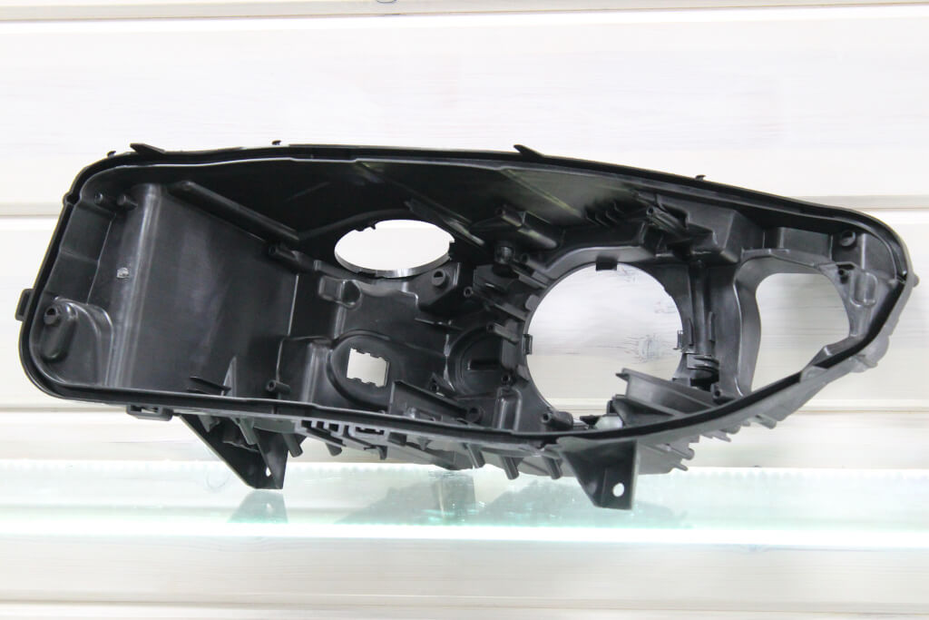 Корпус левой фары для BMW 5 F10 F11 F18 2010-2013 дорестайлинг