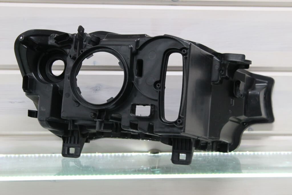 Корпус левой фары для BMW X3 F25 и X4 F26 2014-2018 рестайлинг