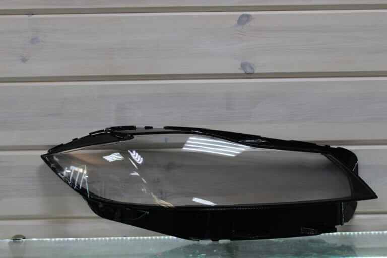 Стекло правой фары для Jaguar XF II F-Pace 2015