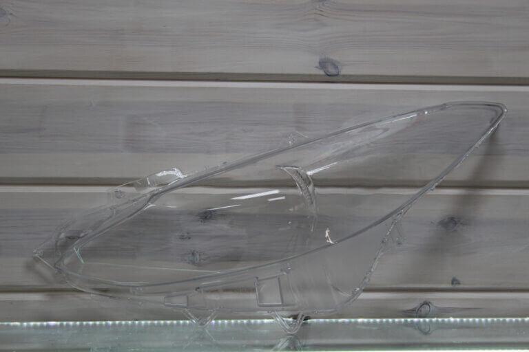 Стекло на левую фару для Mazda 3 BM 2013-2016 дорестайлинг