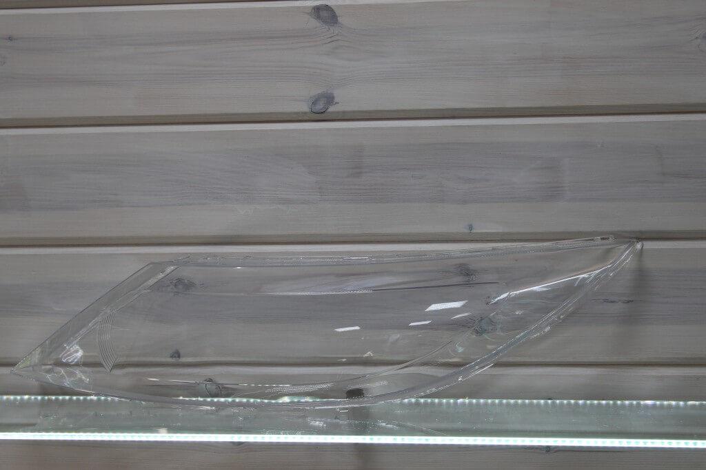 Стекло на левую фару для KIA Sportage 3 2010-2015