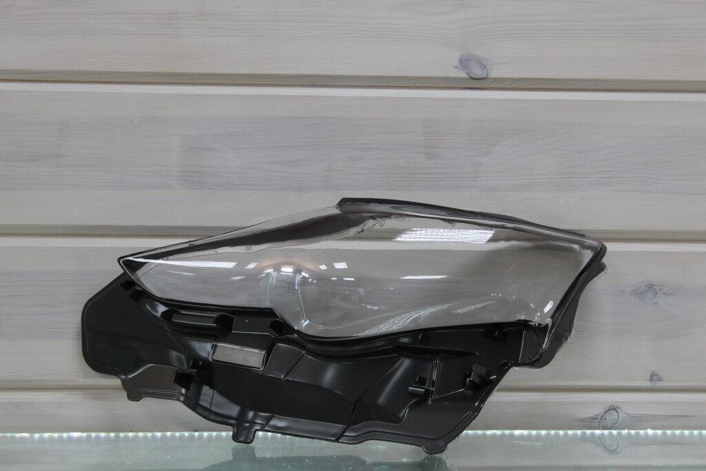 Стекло на левую фару для Lexus IS 3 2013-2018