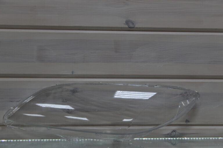 Стекло на левую фару для Mazda 3 BK 2003-2009 седан