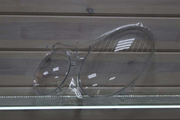 Стекло на левую фару для Mercedes E-class W211 2002-2009