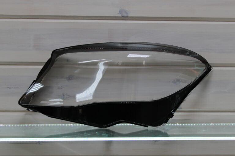 Стекло на левую фару для Mercedes GLA X156 2013-2017