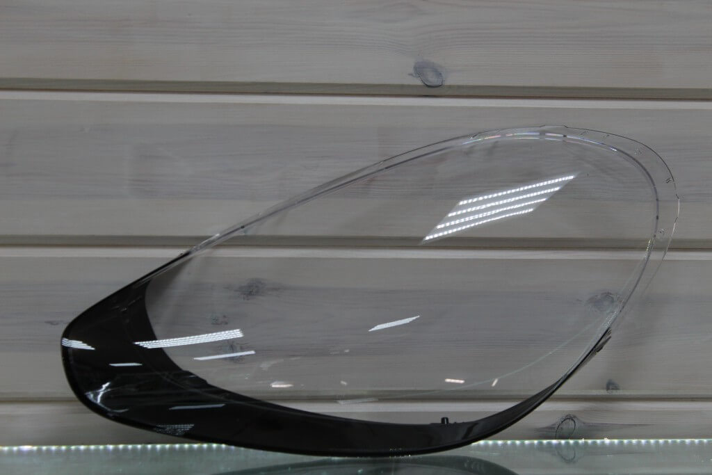Стекло на левую фару для Porsche Cayenne II 958 2014-2018 рестайлинг