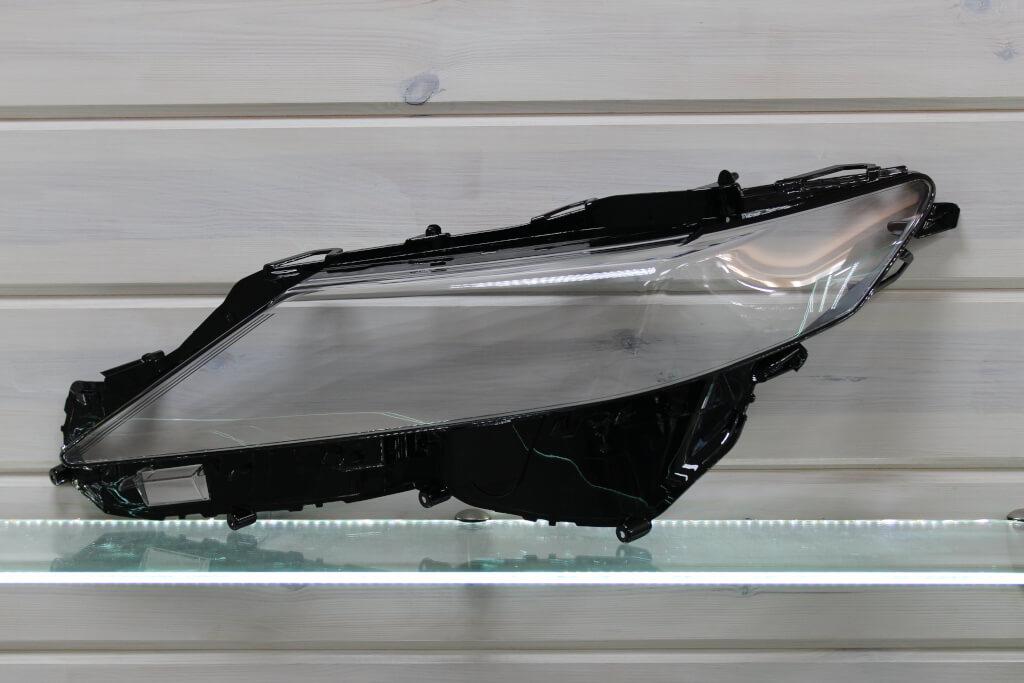 Стекло на левую фару для Toyota Camry XV70 2017 Full LED