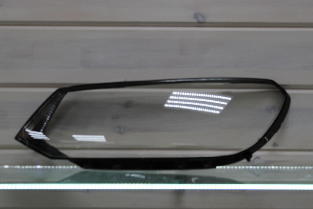 Стекло на левую фару для Volkswagen Touareg 2 NF 2010-2014 дорестайлинг