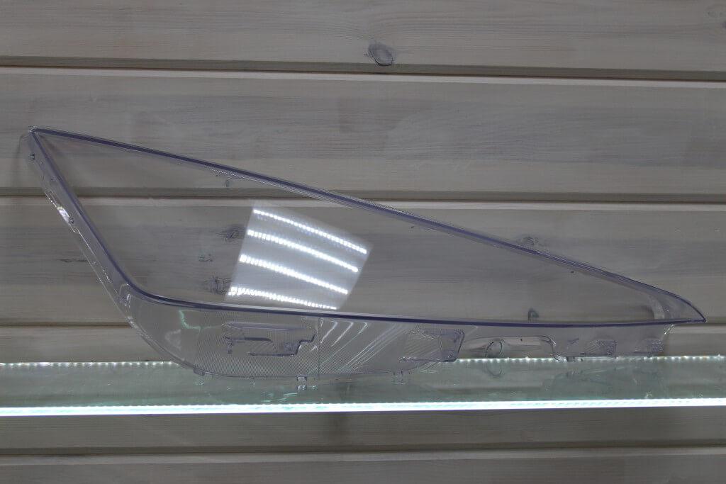 Стекло правой фары для Hyundai Elantra 7 CN 2019