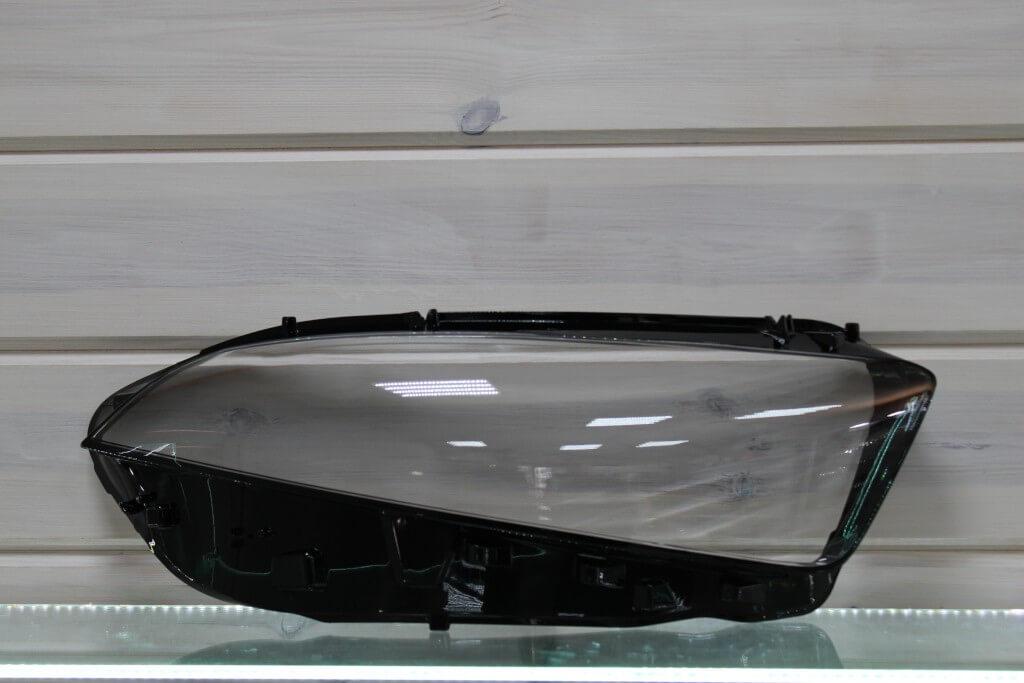 Стекло правой фары для Mercedes A-class W177 2018