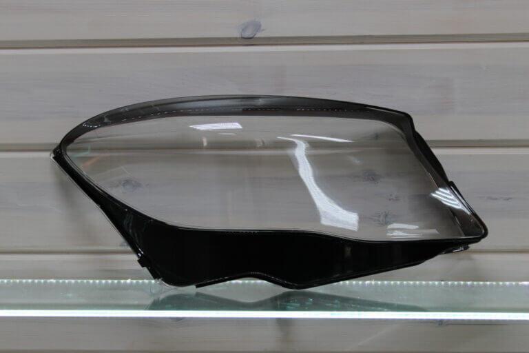 Стекло правой фары для Mercedes GLA X156 2013-2017