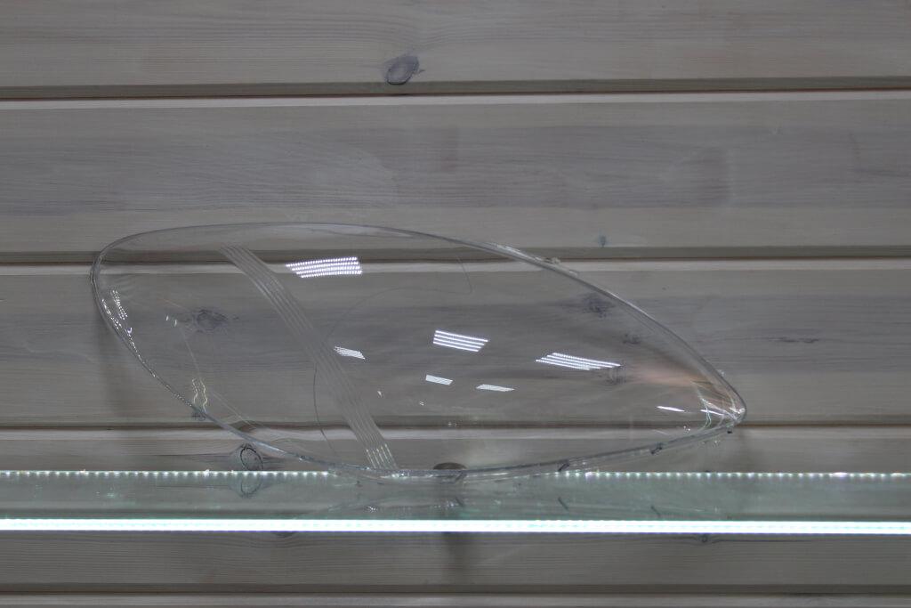 Стекло правой фары для Mercedes Viano Vito W639 2003-2010
