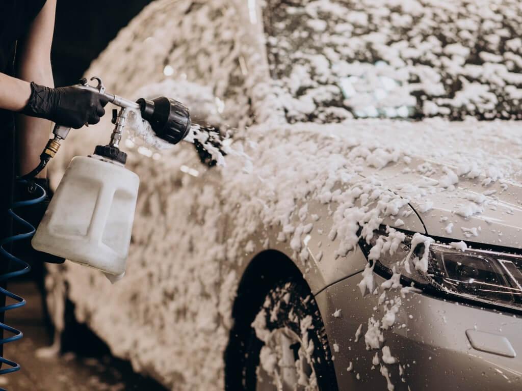 Зачем покрывать автомобиль жидким стеклом