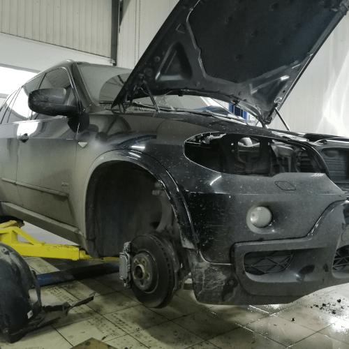 BMW X5 E70 - замена стекол и линз в фарах