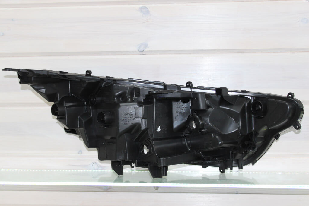 Корпус левой фары для Toyota RAV4 XA50 2019-н.в. дорестайлинг LED