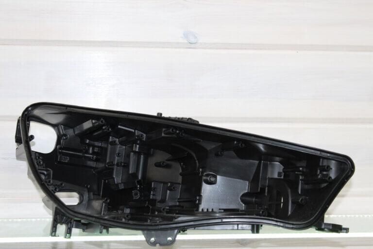 Корпус правой фары для Audi A4 B9 2015-2019 LED